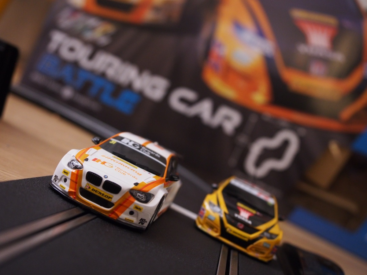 Toy Review: Scalextric Touring Car Battle